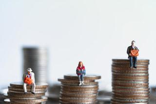 「老後資金の平均はいくら?」平均貯蓄額や生活費を目安に老後資金を考えよう